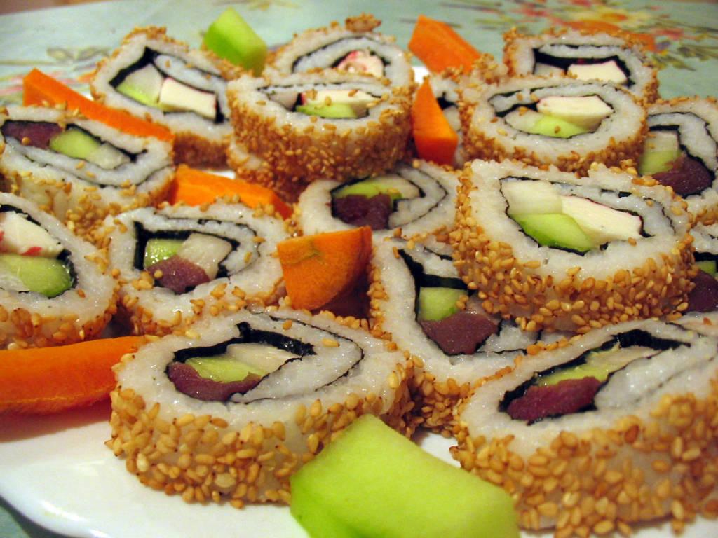 Новое развлечение для студентов: скоростное поедание суши